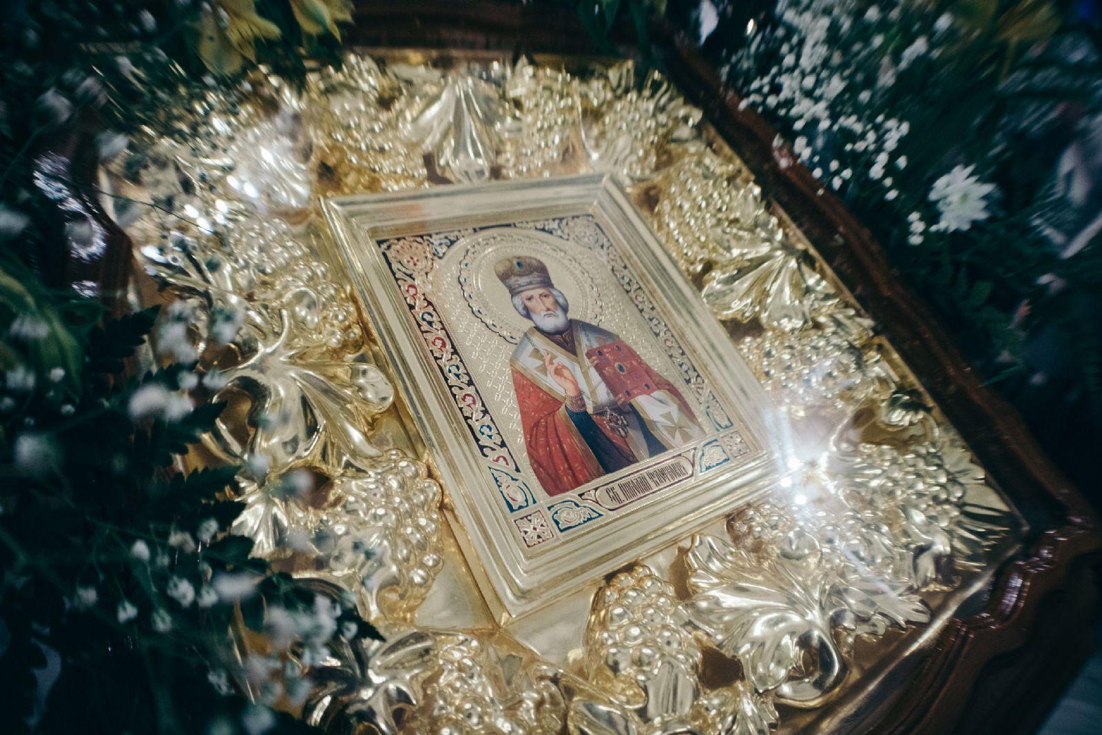 Мощи Николая Чудотворца доставлены в Россию